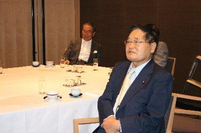 国の進路憂え、長老政治家たちが作戦会議―高橋清隆氏による